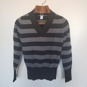 Gap // striped v-neck long sleeve shirt 2006